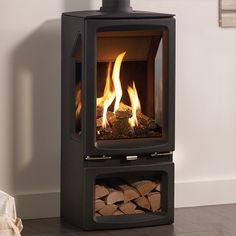 Gazco Vogue Midi T Midline, 3 Sided, Black Glass Lining, Natural Gas, Balanced Flue Stove - Simply Stoves Gas Stove Fireplace, Fireplace Set, Pellet Stove, Fireplace Ideas, Flueless Gas Stove, Stone Fireplace Designs, Modern Stoves, Garden Room Extensions, Rock Fireplaces