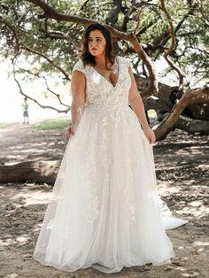 Plus Size Wedding Gowns, Best Wedding Dresses, Cheap Wedding Dress, Boho Wedding Dress, Bridal Dresses, Bridesmaid Dresses, Vintage Wedding Gowns, Flowing Wedding Dresses, Gothic Wedding