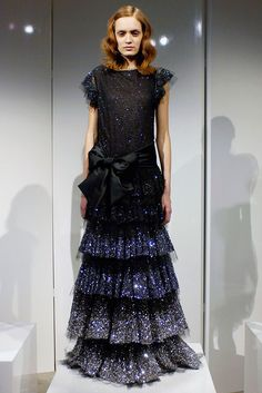 See the complete Marchesa Fall 2009 Ready-to-Wear collection.