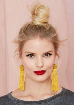 blonde messy knot for thin hair