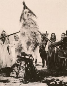 Alexander S. Milovsky, Effigy of Winter Being Burned, Kreshnëvo, Russia, mid… Tribal Rituals, Star Goddess, The Uncanny, Effigy, The Old Days, European History, Historical Pictures, Horror Art, Vintage Photography