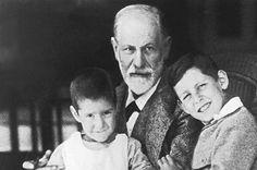 Sigmund Freud mit seinen Enkeln Heinz und Ernst.