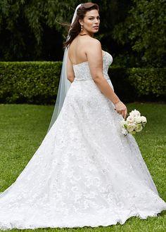 Bonny Bridal, Bridal Gowns, Wedding Dresses, Plus Size Gowns, Size 14 Dresses, Ashley Graham Outfits, Gown Gallery, Fat Fashion, Plus Size Wedding