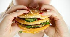 """احذر.. طبيبة نفسية تقدم قائمة بأكلات تسبب """"هيبرة"""" طفلك وعصبيته... - http://www.arablinx.com/%d8%a7%d8%ad%d8%b0%d8%b1-%d8%b7%d8%a8%d9%8a%d8%a8%d8%a9-%d9%86%d9%81%d8%b3%d9%8a%d8%a9-%d8%aa%d9%82%d8%af%d9%85-%d9%82%d8%a7%d8%a6%d9%85%d8%a9-%d8%a8%d8%a3%d9%83%d9%84%d8%a7%d8%aa-%d8%aa%d8%b3%d8%a8/"""