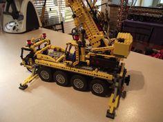 LEGO TECHNIC 8421 - MOBILE CRANE