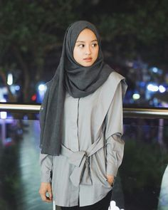 Modern Hijab Fashion, Hijab Fashion Inspiration, Minimal Fashion, Korean Fashion, Casual Hijab Outfit, Hijab Chic, Ootd Hijab, Muslimah Wedding Dress, Hijab Style Tutorial