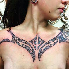 Tribal Neck Tattoos, Thigh Tattoos, Black Tattoos, Polynesian Tattoo Designs, Maori Tattoo Designs, Crazy Tattoos, New Tattoos, Berber Tattoo, Face Tats