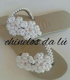 Beaded Sandals, Flat Sandals, Decorating Flip Flops, Girl Fashion, Womens Fashion, Wedding Accessories, Knit Crochet, Baskets, Cool Style