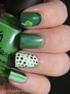 st patty's nails - I'll need about 6 different green nail polishes Fancy Nails, Love Nails, How To Do Nails, Pretty Nails, Dot Nail Art, Polka Dot Nails, Polka Dots, Irish Nails, St Patricks Day Nails