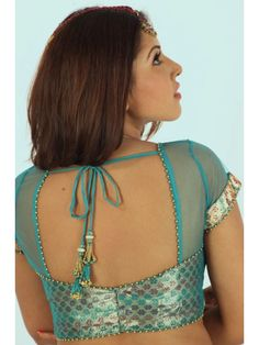 Alternate style guide for chiffon sarees - matching brocade bustier, with chiffon neck and shoulders.