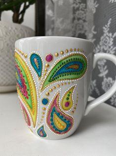 Paisley ceramic mug/ Hand painted ceramic mug with boho Painted Mugs, Hand Painted Ceramics, Bottle Painting, Dot Painting, Mandala Drawing, Mandala Art, Painted Wine Glasses, Paisley Pattern, Boho