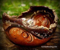 Glazed barkedge bowl, painted by Turid Helle Fatland, Norway.