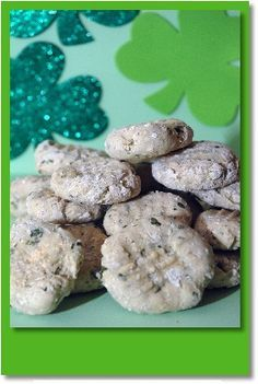 Spinach Parmesan Cookies for Dogs! A great home-made dog treat for St. Patty's Day!