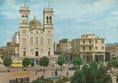 Tripolis Square 1960's Greek History, As Time Goes By, Athens Greece, Notre Dame, Mansions, House Styles, Building, Pictures, Travel