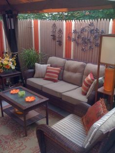 Small Inner City Patio - love painted fence idea