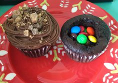 Sister Sweetly | Piñata cupcakes