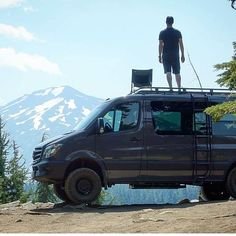 Another awesome view from an Aluminess roof rack, this time from @4x4familyvan. Thanks! .    #aluminess #roofrack #ladder #mtbachelor #adventurevan #adventuremobile #sprintervan #mercedes #sprinter #adventurevan #sprintervan #4x4conversion #sprintercampervans #mercedessprinter