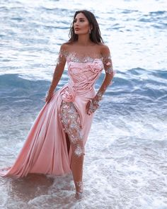 Lebanese designer Geyanna Youness creates his collection of beautiful and dramatic gowns for your wedding or party. What do you choose: the marvellous pink or white gown? Elegant Dresses, Sexy Dresses, Fashion Dresses, Prom Dresses, Formal Dresses, Said Mhamad Photography, Style Couture, Fantasy Dress, Luxury Dress