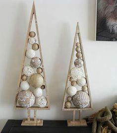 39 Ideas Rustic Modern Christmas Tree Xmas For 2019 Alternative Christmas Tree, Diy Christmas Tree, Christmas Projects, Christmas Tree Decorations, Christmas Holidays, Christmas Ornaments, Xmas Trees, Christmas Balls, Cone Trees