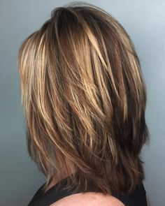 Medium Cut With Feathered Layers Layered Haircuts For Women, Medium Layered Hairstyles, Layered Haircuts Shoulder Length, Shoulder Length Hair Cuts With Layers, Medium Shag Haircuts, Medium Length Haircuts, Cut Hairstyles, Hairstyle Ideas, Cute Simple Hairstyles