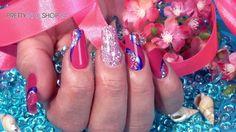 #nails #nailart #glitter #pns24 Ein funkelndes Design, das an das leuchten der Sterne erinnert, ist ein wunderschöner Blickfang. Wir haben für Dich eine strahlende Nailart mit dem Jolifin Illusion Glitter XI und dem Jolifin Nailart Fineliner neon nightglue Glimmer gezaubert. Hier findest Du die verwendeten Produkte:http://www.prettynailshop24.de/shop/nailart-milky-way-video_1101.html#Produkte?utm_source=pinterest&utm_medium=referrer&utm_campaign=PI_Nailart_Video3816