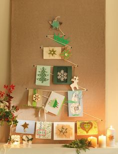 Un árbol en la pared Sobre un tablero forrado con lino (de Gastón y Daniela) dibuja la forma de un abeto. Marca los extremos con unas chinc...