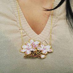 Merci mille fois @8.mars_ !!!!!!! Il est encore plus beau en vrai que sur les photos !  Trop heureuse de découvrir ton collier dans ma boîte au lettres, c'est vraiment un très beau cadeau !   #cadeau #concours8mars #colliercerisierenfleurs #cerisierenfleurs #miyuki #motif8mars #sautoirmiyuki
