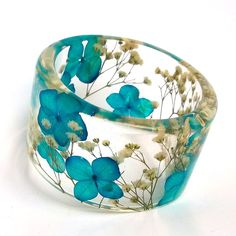 Blue and White Botanical Resin Bangle. Chunky Bangle with Pressed Flowers. Real Flowers - White Baby's Breath Blue Hydrangea