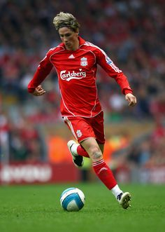 Liverpool forward Fernando Torres says Ronaldo is the world's best. Liverpool Fc Badge, Salah Liverpool, Liverpool Legends, Liverpool Football Club, Liverpool Fc Wallpaper, Liverpool Wallpapers, Football Icon, Best Football Team, Football Fever
