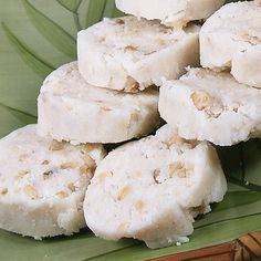 COCONUT CREAM FUDGE CANDY......     7 oz Coconut Cream Concentrate ½ cup brown rice syrup (or to taste) 1 teaspoon vanilla extract 2/3 cup raw or toasted nuts (chopped) Sprinkle of cinnamon 1/2 tsp salt ¼ cup dried currants or blueberries