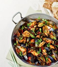 473455-1-eng-GB_red-thai-spicy-mussels