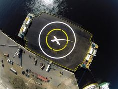 SpaceX to attempt Falcon 9 platform landing on Friday By David Szondy 12/17/14 An autonomous spaceport drone ship will act as the landing target for the Falcon 7