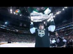 Dustin Brown and LA Kings receive 2012 Stanley Cup