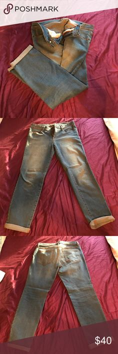 Free People medium wash denim Medium wash. Stretch denim from Free People. Size 29. Straight leg cropped. Falls right above ankle. Free People Jeans Ankle & Cropped