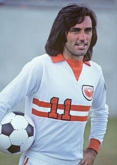 George Best of LA Aztecs in 1976. Arsenal Football 3be22cd30