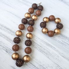 Brown and Gold Necklace, brown chunky necklace, brown bubblegum necklace, kids necklace, kids bracelet, baby bracelet, baby necklace, kids fashion, baby fashion, kids boutique, baby boutique, etsy shop, etsy jewelry, kids jewelry, sparkle jewelry, blind Jewlery, fall necklace, fall accessories, kids fall outfits, thanksgiving necklace, thanksgiving bracelet, fall bracelet https://www.etsy.com/listing/465872610/brown-bubblegum-necklace-brown-chunky