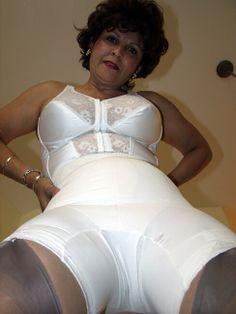 . Vintage Underwear, Vintage Lingerie, Bas Sexy, Mädchen In Bikinis, Granny Panties, Sexy Stockings, Retro Outfits, Retro Dress, Feminine Style