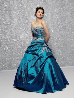 cinderella dresses - Cinderella dresses in blue are always able to amaze anyone. You can use a ball gown for your wedding dress, prom dress or other formal occasion. Wedding Dresses Uk, Cinderella Dresses, Ball Gowns Prom, Cheap Prom Dresses, Quinceanera Dresses, Grad Dresses, Princess Dresses, Women's Dresses, Elegant Dresses