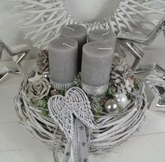 Advent wreath - Advent wreath, Advent arrangement gray / white flights - a design . Advent wreath - Advent wreath, Advent arrangement gray / white flights - a design . Christmas Advent Wreath, Christmas Mood, Rustic Christmas, Xmas Tree, Christmas Decorations, Christmas Floral Arrangements, Grapevine Wreath, White Wreath, Wreaths