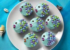 Fish cupcakes with smarties for children& birthday, baptism and Fisch-Cupcakes mit Smarties für Kindergeburtstag, Taufe und Co. Fish cupcakes with smarties for children& birthday, baptism and Co. Fish Cake Birthday, Mermaid Birthday, Birthday Cupcakes, Fishing Cupcakes, Cupcakes Decorados, Mermaid Cakes, Food Humor, Cute Food, Kids Meals