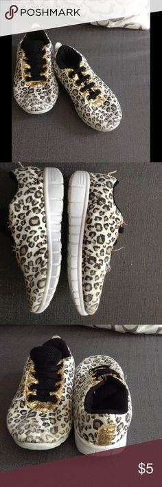 Cute toddler leopard sneakers size 8 Pre loved show some wear in the front tips shown in pic. But no tears no stains. Cute stylish with glitter. Kidgets Shoes Sneakers