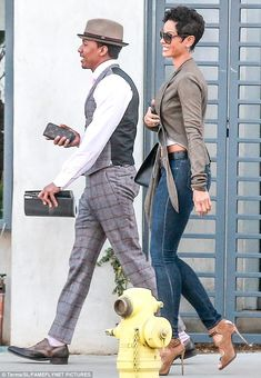 Could this be true? Nick Cannon and Nicole Murphy spark dating rumours(Photos) Black Girl Fashion, Suit Fashion, Nicole Murphy, Most Beautiful Black Women, Nick Cannon, 50 And Fabulous, Its A Mans World, Date Dinner, Urban Street Style
