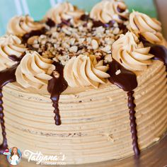The most amazing fall cake, made with maple cake layers and apple pie filling, frosted with salted caramel buttercream! Apple Pie Cake, Apple Pecan Pie, Pecan Cake, Pumpkin Cheesecake, Maple Pecan, All You Need Is, Basic Vanilla Cake Recipe, Salted Caramel Cake, Caramel Pie