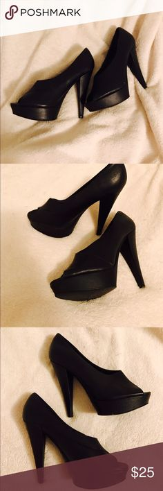 Black elegant leather heels Black leather elegant high heals with an open toe. Great for special occasions! (Ahem holidays!...) Aldo Shoes Heels
