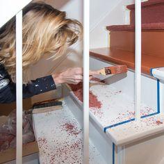 Zelf eenvoudig je trap renoveren met de TrapBox. Bestel de TrapBox op www.topwebshop.nl Bath Caddy, Kitchen Decor, Stairs, Cosy, Scale, Lifestyle, Vintage, Weighing Scale, Stairway