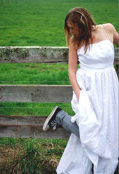 Young bride, White Dress, Bride, Dresses, Fashion, Wedding Bride, Vestidos, Moda, Bridal, Fashion Styles