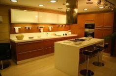 Μοντέρνα Κουζίνα με στυλ και ποιότητα που θα σας συνοδεύει σε κάθε ευχάριστη στιγμή. Από το www.kilasin.gr