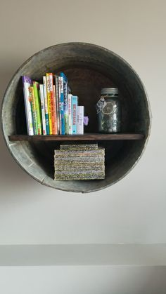 DIY Rustic Wash Tub Shelf Make this shelf out of a galvanized rustic wash tub! Galvanized bucket craft for your house. Small Laundry Rooms, Small Bathroom Storage, Storage Room, Storage Organization, Storage Ideas, Country Decor, Rustic Decor, Farmhouse Decor, Country Style