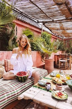 Watermelons and Fruit for breakfast | Le Jardin Secret, Marrakech: http://www.ohhcouture.com/2017/05/do-pandora-le-jardin-secret-marrakech/ #ohhcouture #leoniehanne