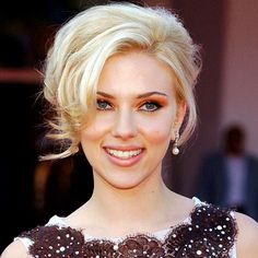 Scarlett Johansson, make up and hair